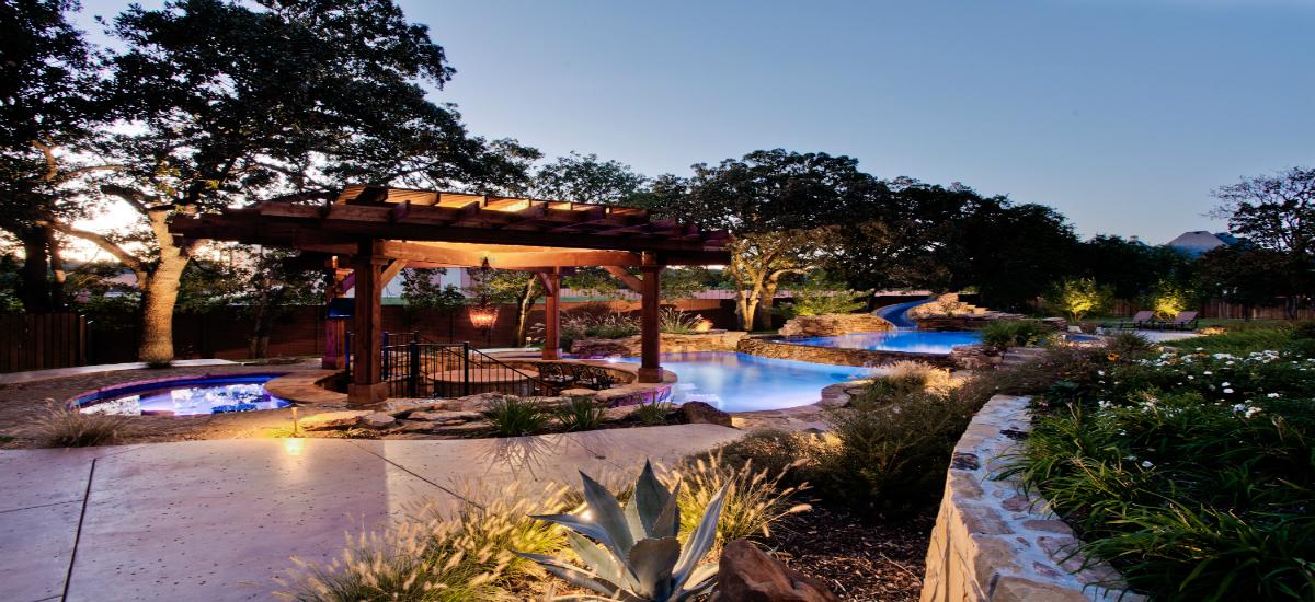 Luxury outdoor space garden ideas for Luxury backyard ideas