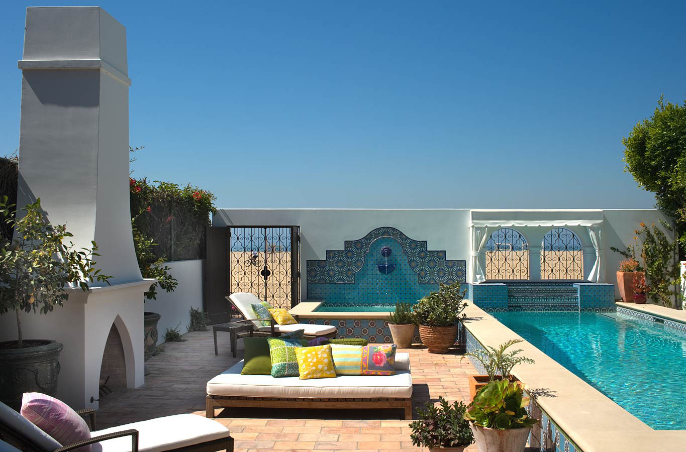 Beautiful Beach Homes & The Most Stunning Outdoors