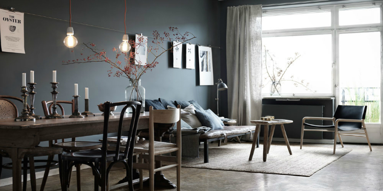 Anthracite walls not somber at all for Interior design famosi