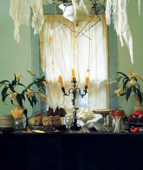 Halloween Decoration Ideas, Halloween Ideas, Halloween house, Martha Stewart