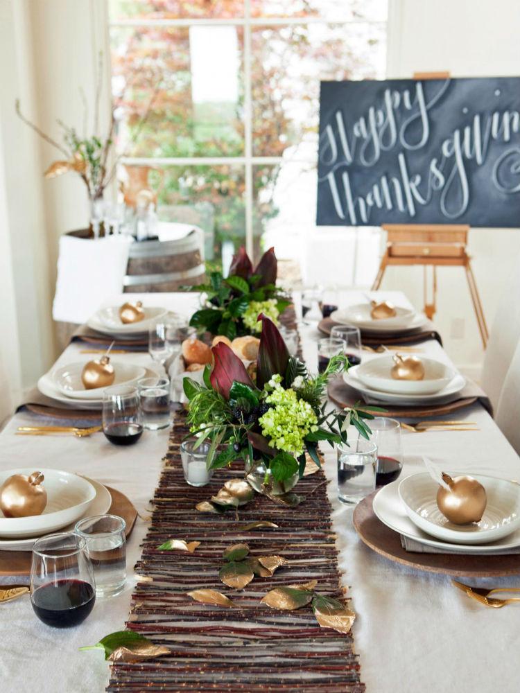 The Most Elegant Thanksgiving Table Settings