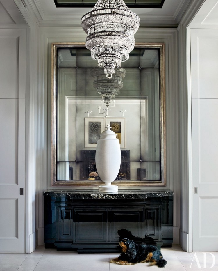 Welcome Your Guests With An Impeccably Organized Entryway: 15 Home Inspiration Ideas To Organize Your Contemporary Foyer