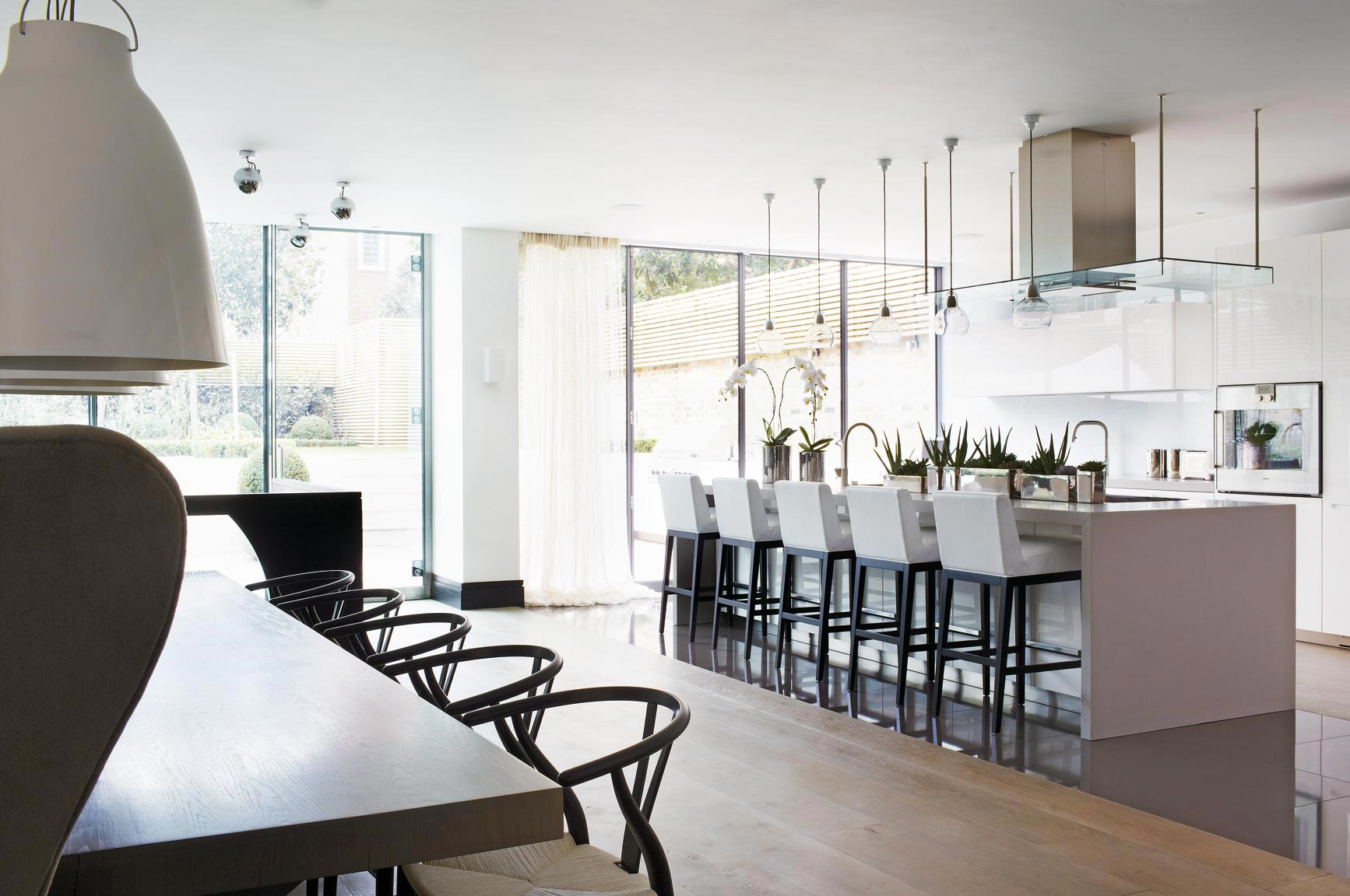 6 Dining Room Ideas To Steal From Kelly Hoppen S Amazing